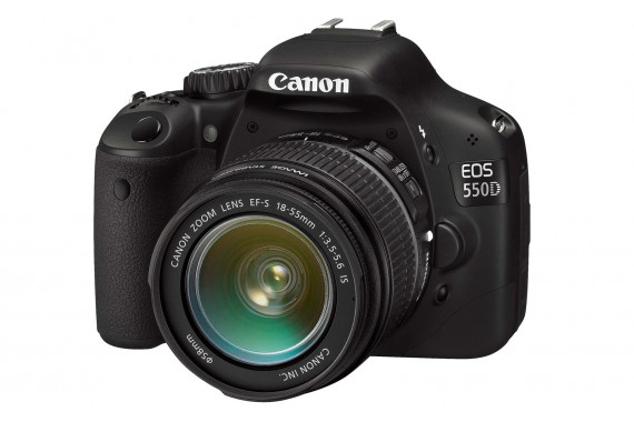 Canon EOS 550D с объективом 18-55mm IS II
