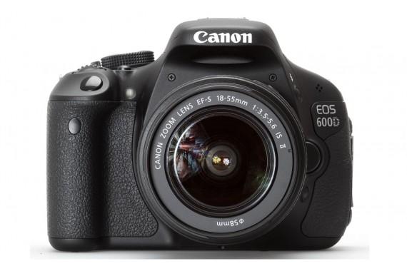 Canon EOS 600D с объективом 18-55mm IS II