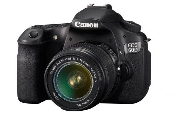 Canon EOS 60D с объективом 18-55mm IS II