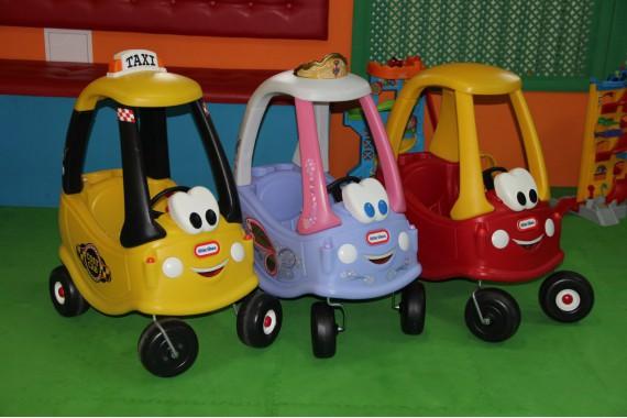 Каталка-машина Little Tikes «Cozy Coupe»