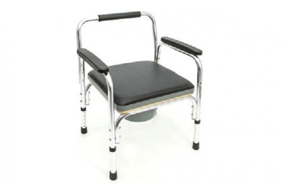 Кресло с саноснащением FS 895 L