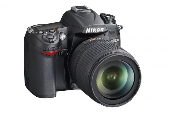 Nikon D7000 с объективом 18-105 mm VR