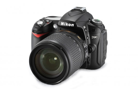 Nikon D90 с объективом 18-105 mm VR