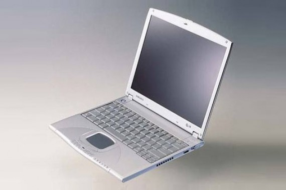 Ноутбук на базе PIII