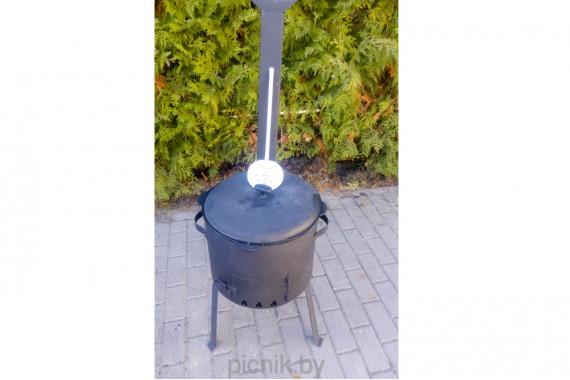 Печь с дымоходом + чугунный казан