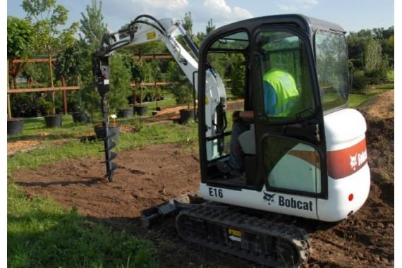 Ямобур на базе мини-экскаватора Bobcat E 16
